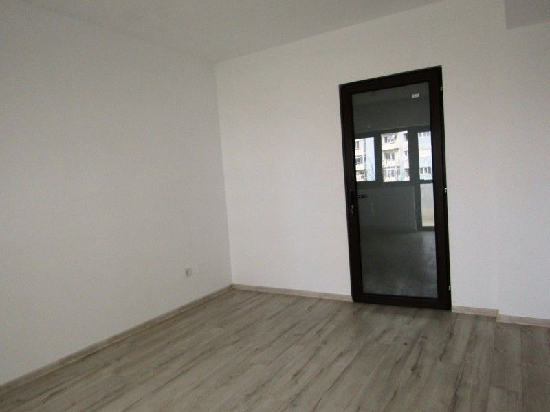 Apartament nou de vanzare, 3 camere Nedecomandat  CUG -2