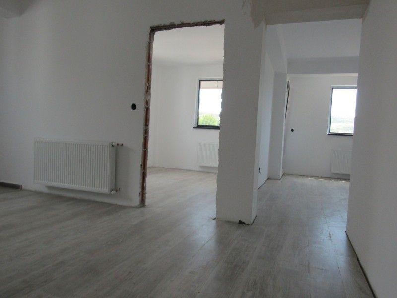 Apartament nou de vanzare, 3 camere Semidecomandat  Bucium -3