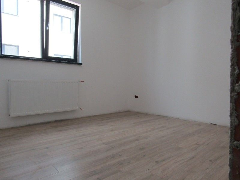 Apartament nou de vanzare, 3 camere Semidecomandat  Bucium -5