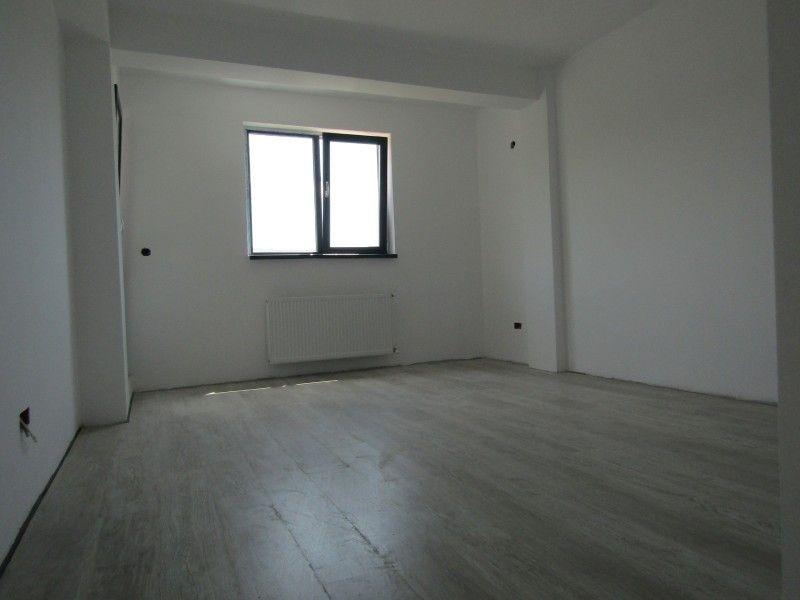 Apartament nou de vanzare, 3 camere Semidecomandat  Bucium -8