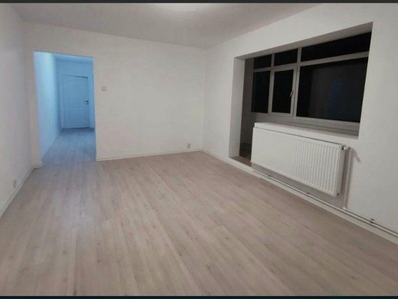 Apartament nou de vanzare, 3 camere Semidecomandat  Tatarasi -1