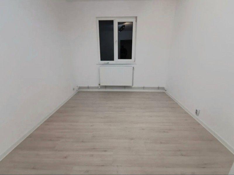 Apartament nou de vanzare, 3 camere Semidecomandat  Tatarasi -2
