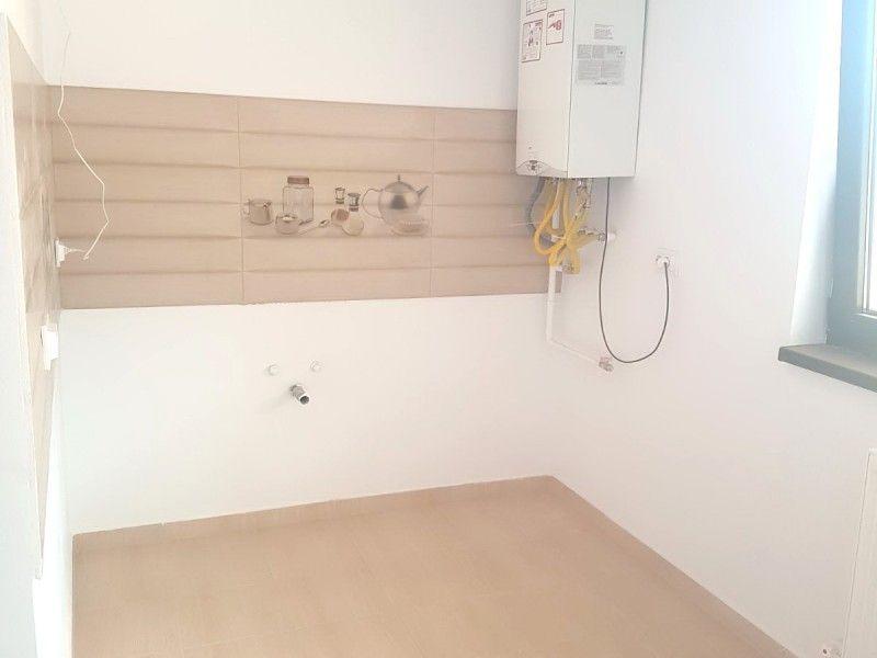 Apartament nou de vanzare, o camera Decomandat  Nicolina -2