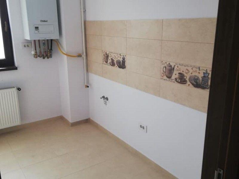 Apartament nou de vanzare, o camera Decomandat  Pacurari -4