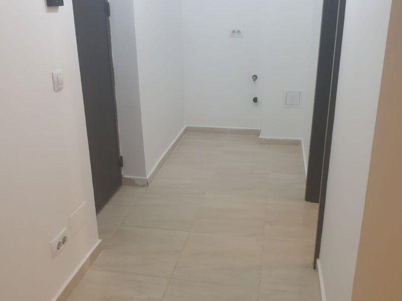 Apartament nou de vanzare, o camera Decomandat  Pacurari -8