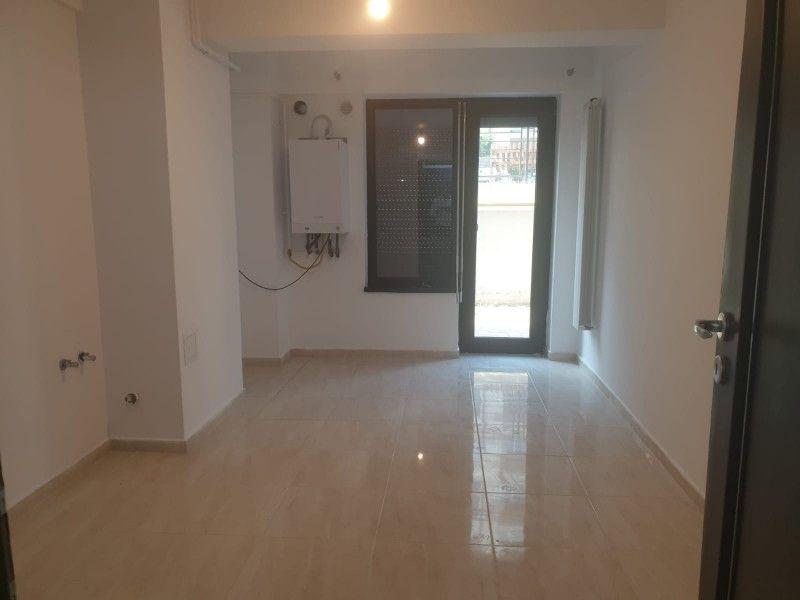 Apartament nou de vanzare, o camera Decomandat  Pacurari -15