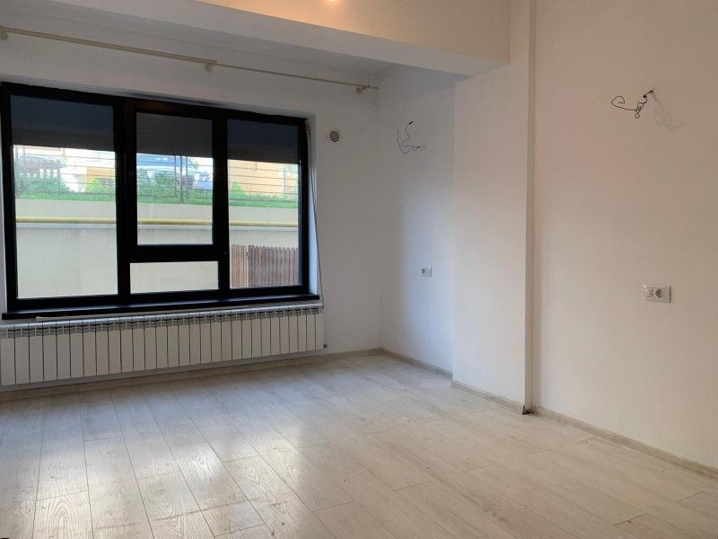 Apartament nou de vanzare, o camera Decomandat  Pacurari -21