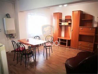 Apartament renovat cu 3 camere si 2 bai de vanzare pe strada Siretului