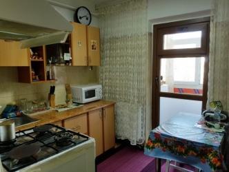 Apartament spatios cu 3 camere, decomandat, cf. 1, etj2/4, Fabrica de