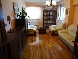Apartament ultracentral cu scara interioara