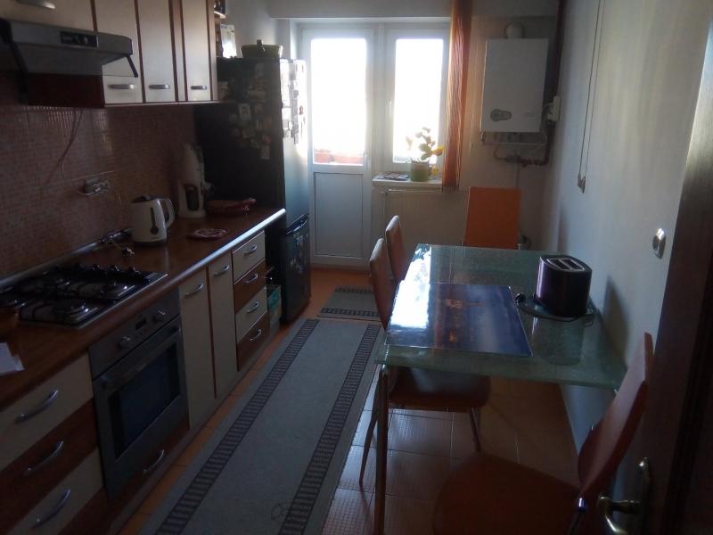 Apartament ultracentral cu scara interioara-2