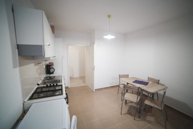 Apartamente mobilate de 3 camere-4