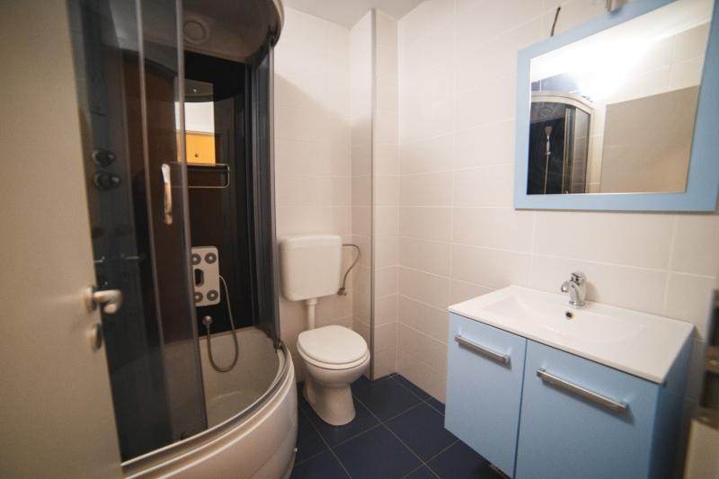 Apartamente mobilate de 3 camere-6
