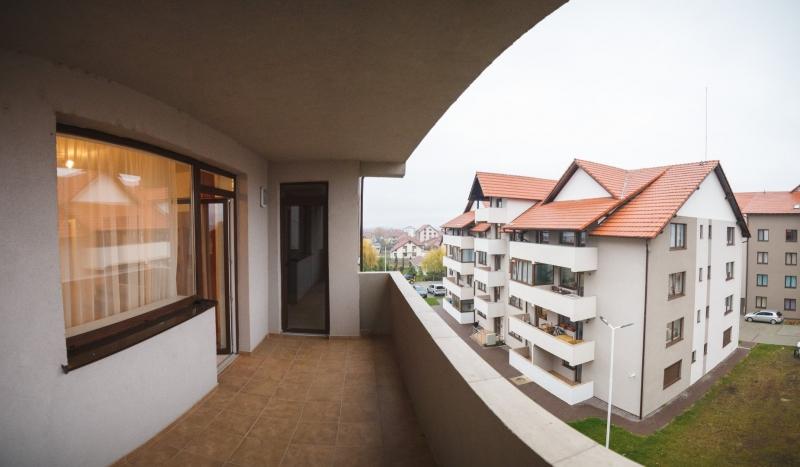 Apartamente mobilate de 3 camere-7