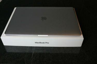 Apple MacBook Pro 15, 2020, WhatsApp touch bar + 18328019816