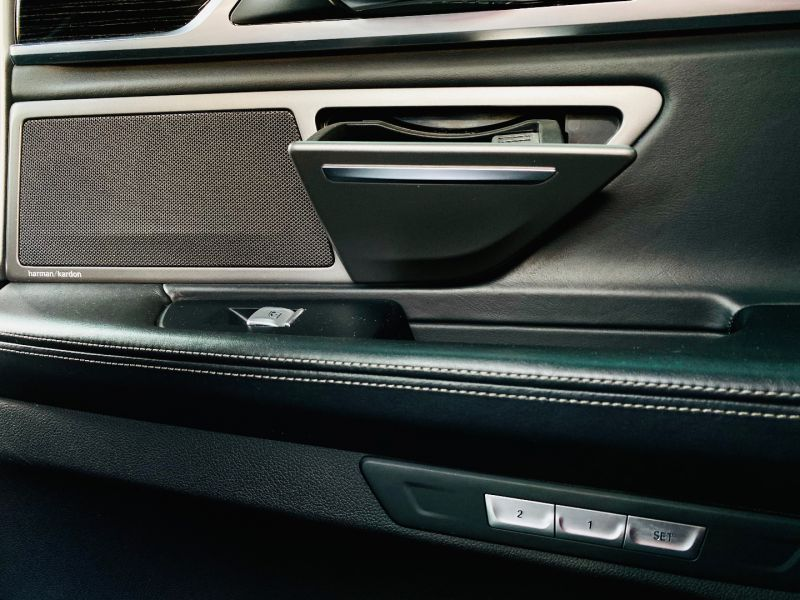 BMW Seria 7 730 diesel 2016 plus BONUS 10.000 euro de la Lorand Soares-30