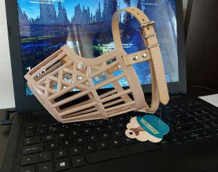 Botnita plastic protectie caini , botnita dimensiune universala cu pri