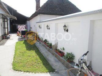 Casa cu 2 camere de inchiriat in Petresti judetul Alba