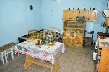 Casa cu 2 camere de vanzare in Sebes zona linistita judetul Alba