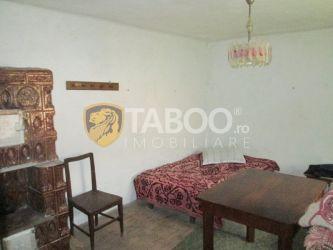 Casa cu 3 camere de vanzare in Cut judetul Alba