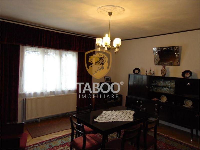 Casa cu 3 camere si 150 mp teren de vanzare Calea Dumbravii-1