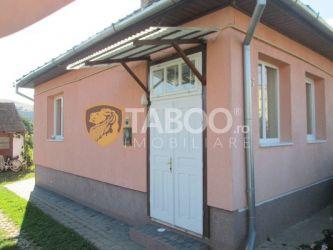 Casa cu 4 camere de vanzare in Petresti judetul Alba