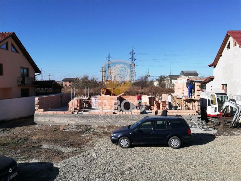 Casa cu 4 camere si 115 mp utili in Sibiu zona Terezian-1