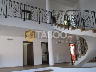 Casa cu 5 camere de inchiriat in Sebes judetul Alba