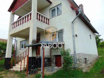 Casa cu 5 camere si 1500 mp teren de inchiriat in Daia Noua Sibiu