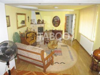 Casa cu 6 camere de inchiriat in Sebes judetul Alba