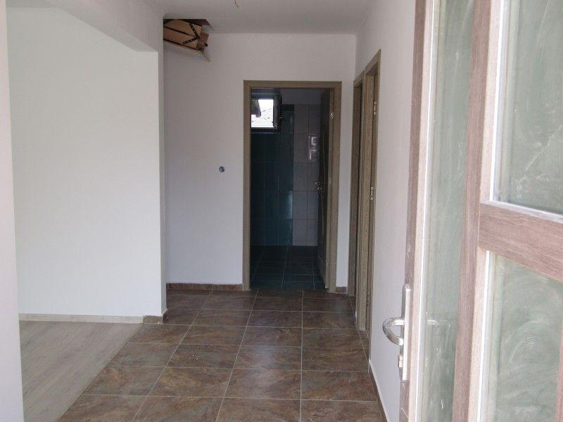 Casa de vanzare, 3 camere   Horpaz -2