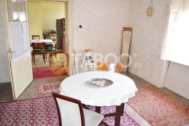 Casa de vanzare 3 camere in Sebes zona centrala