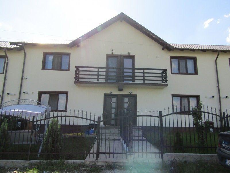 Casa de vanzare, 3 camere   Lunca Cetatuii -1