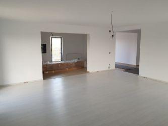 Casa de vanzare, 3 camere   Miroslava
