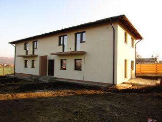 Casa de vanzare, 4 camere   Horpaz