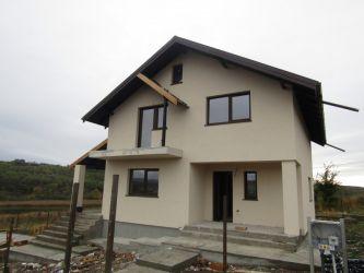 Casa de vanzare, 4 camere   Iezareni