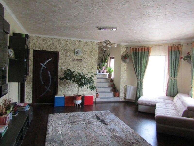 Casa de vanzare, 4 camere   Valea Adanca -1