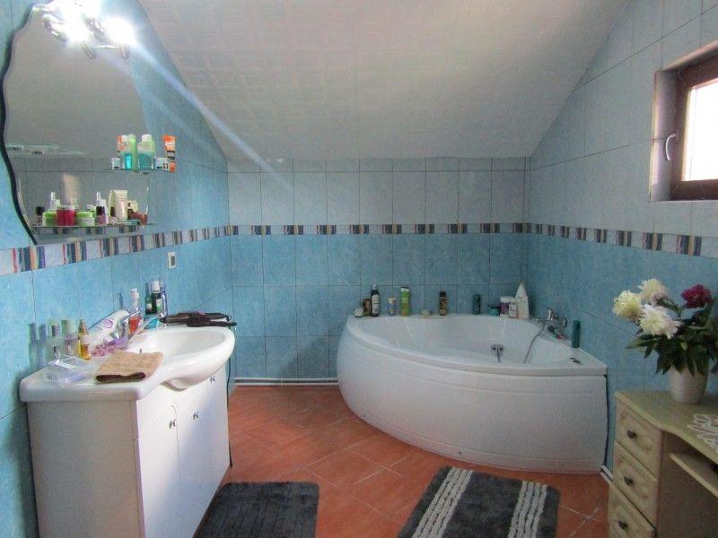 Casa de vanzare, 4 camere   Valea Adanca -3