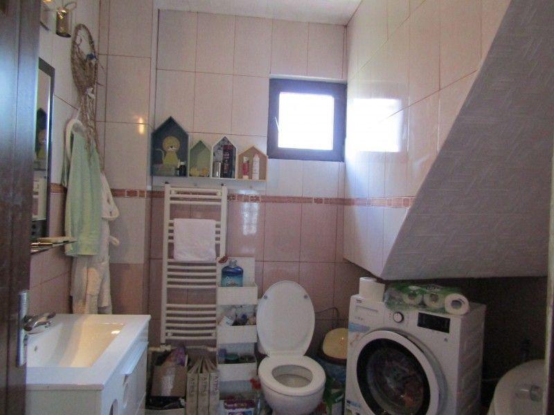 Casa de vanzare, 4 camere   Valea Adanca -8