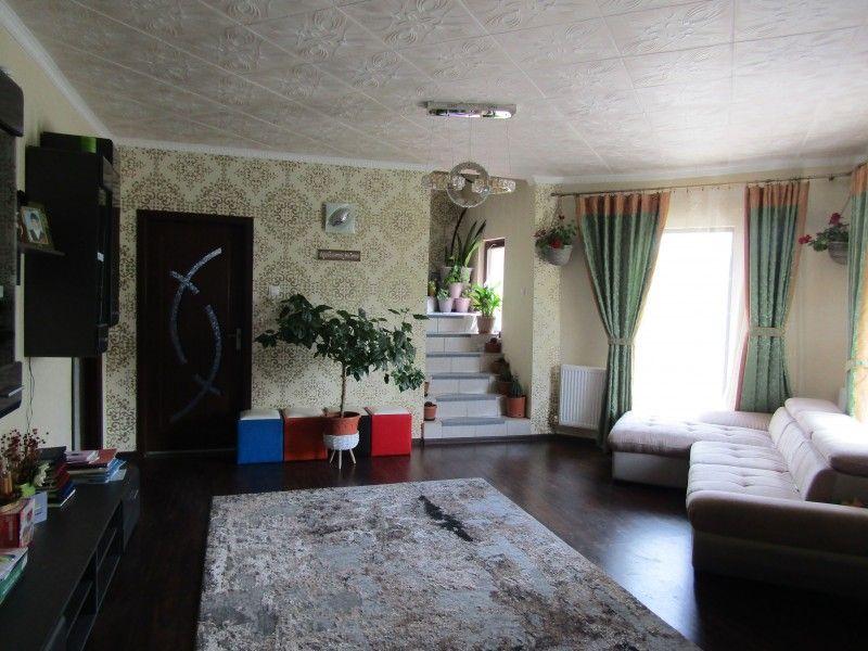 Casa de vanzare, 4 camere   Valea Adanca -10