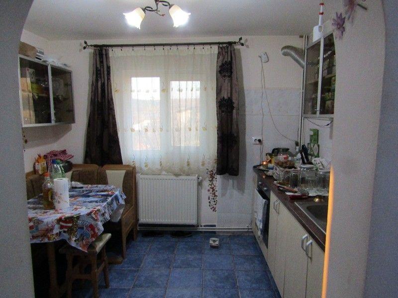 Casa de vanzare, 4 camere   Valea Lupului -4