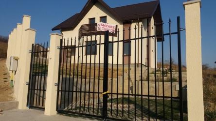 Casa in Iasi de vanzare zona Bucium 381mp teren cu toate utilitatile