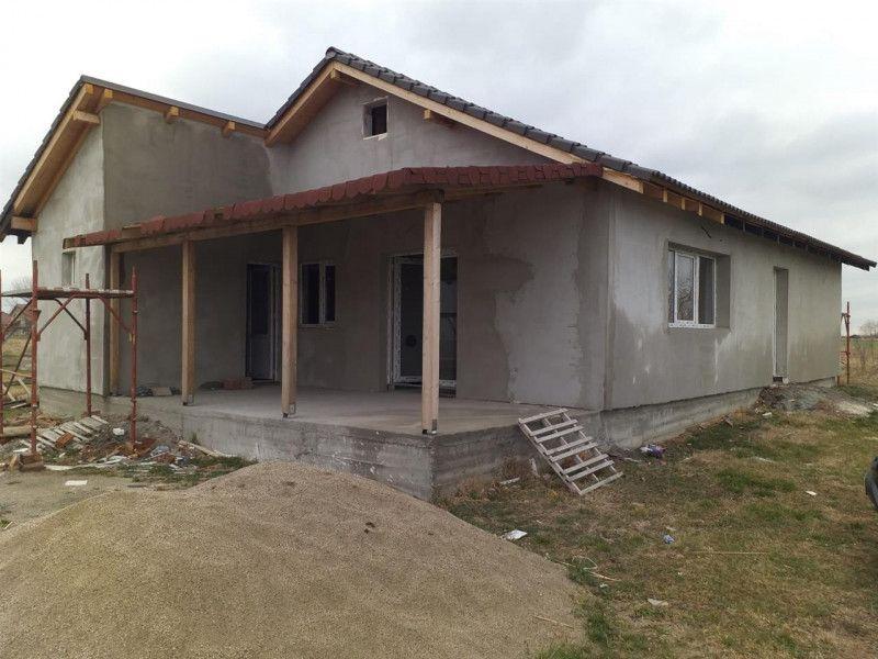 Casa la pret de apartament in Sanmihaiu Roman - ID V204-1