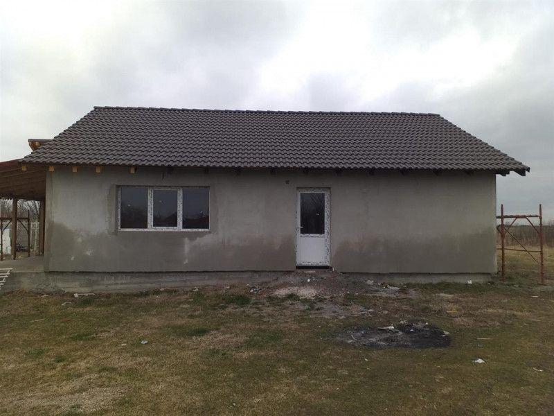 Casa la pret de apartament in Sanmihaiu Roman - ID V204-2