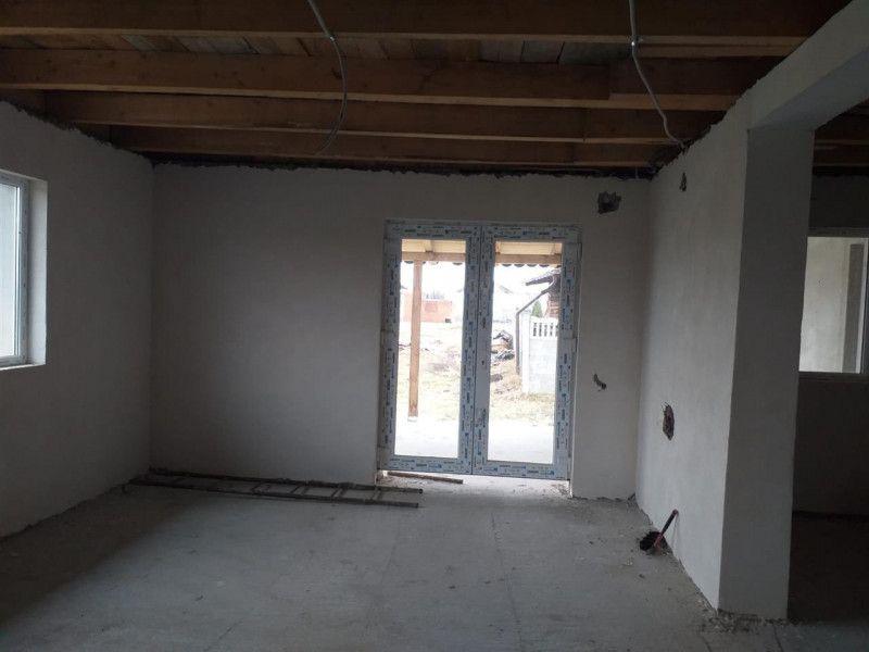 Casa la pret de apartament in Sanmihaiu Roman - ID V204-3