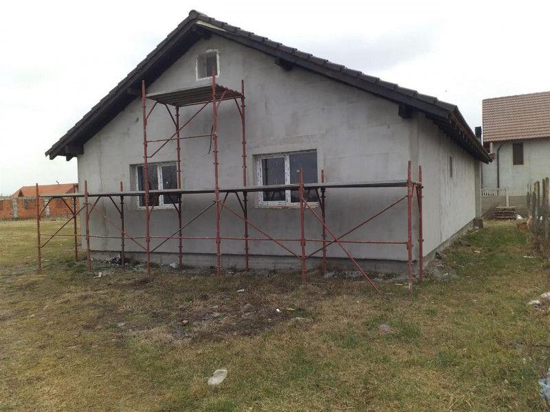 Casa la pret de apartament in Sanmihaiu Roman - ID V204-4