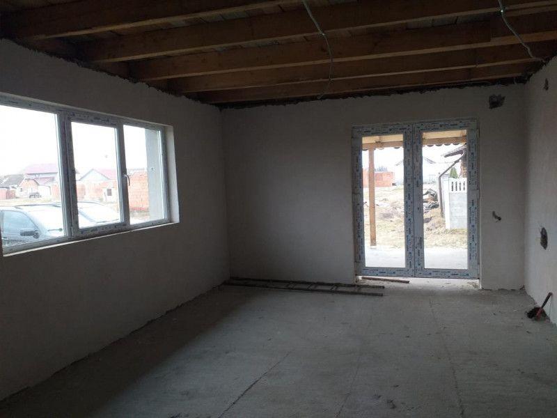 Casa la pret de apartament in Sanmihaiu Roman - ID V204-6