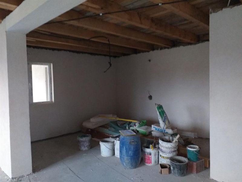 Casa la pret de apartament in Sanmihaiu Roman - ID V204-8