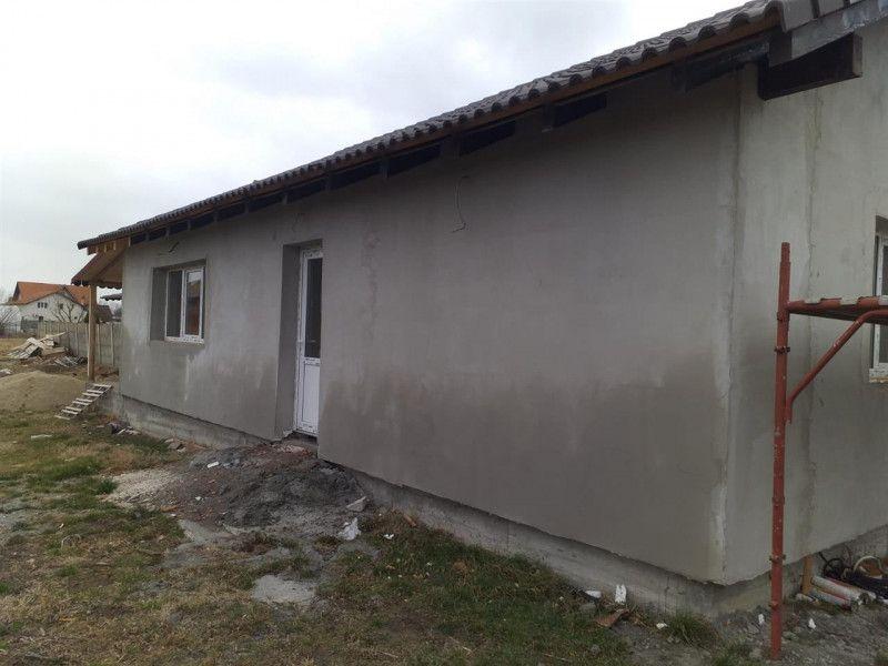 Casa la pret de apartament in Sanmihaiu Roman - ID V204-9