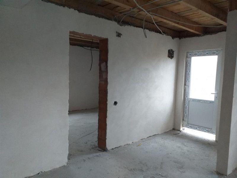 Casa la pret de apartament in Sanmihaiu Roman - ID V204-15